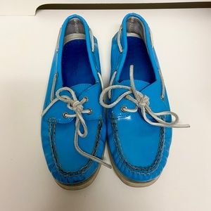Bright Blue Sperry's